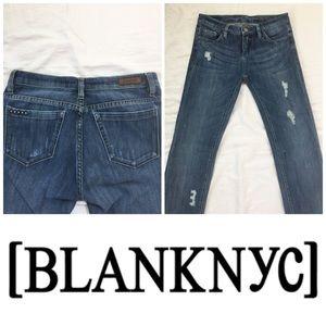 🚨Final Sale🚨Blank NYC Distressed Skinny Je…